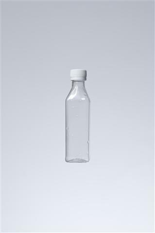 φιάλη - όγκος 50 ml,λαιμός 18 mm,βάρος 10 gr,διαστάσεις σώματος-διάμετρος 29 mm x 29 mm,ύψος 11 cm,κωδικός 21.160.001.